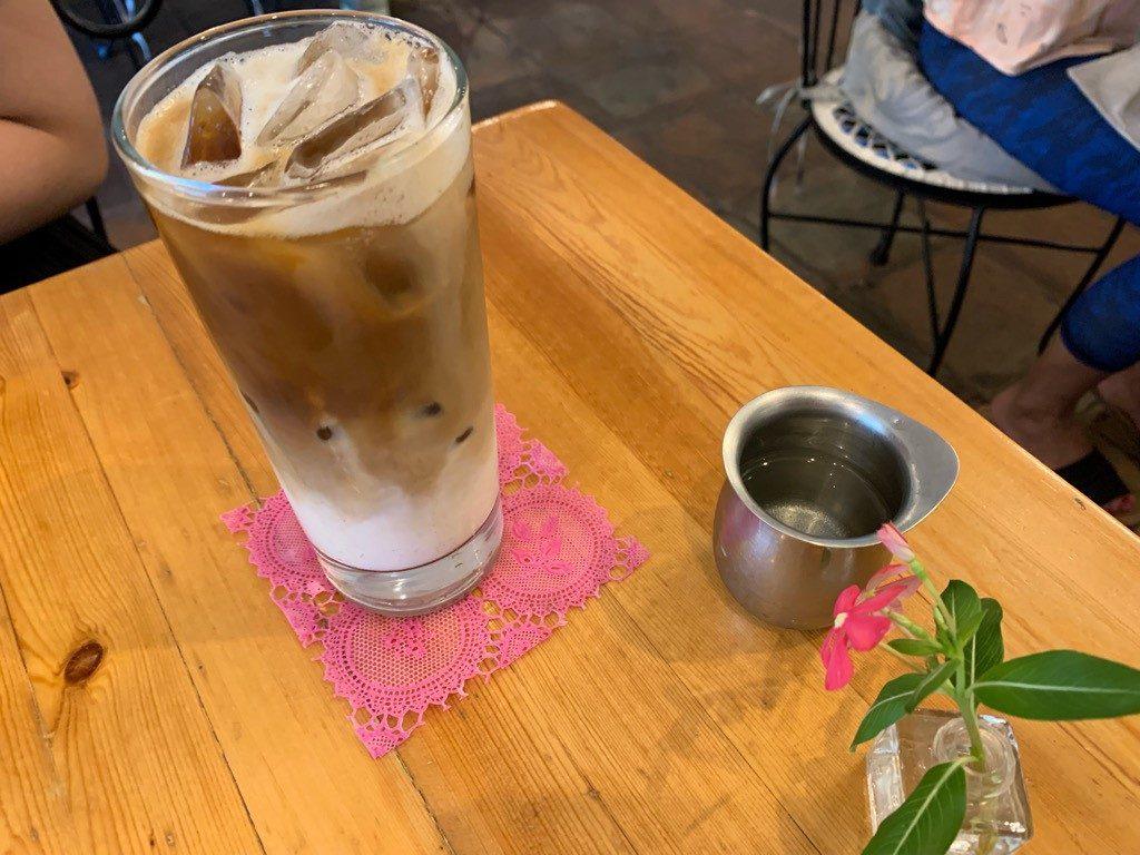 クリームポット 飲み物 カフェラテ