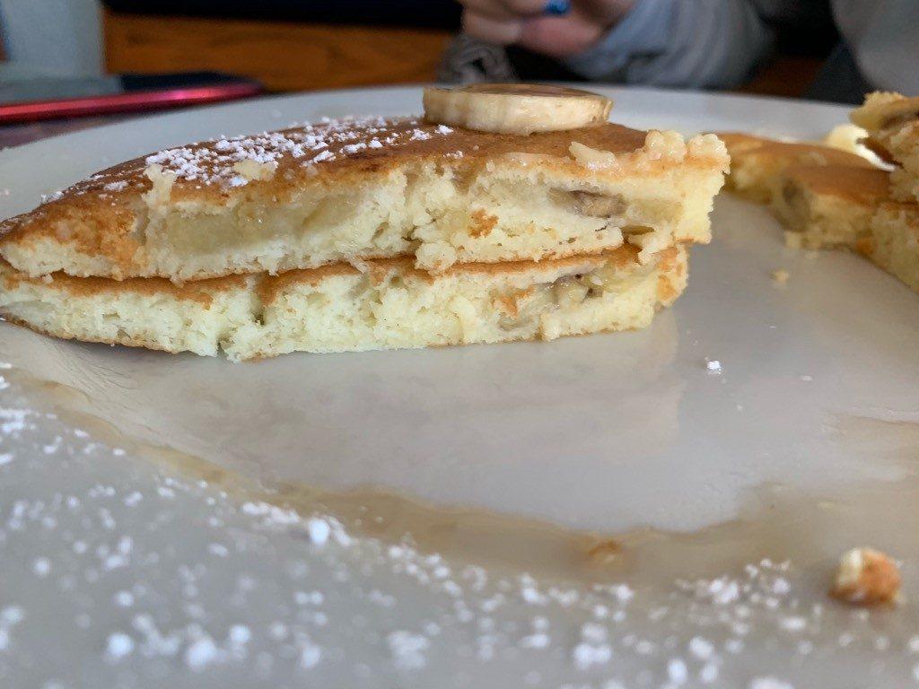 モケズ(Moke's)の料理 バナナパンケーキ 2