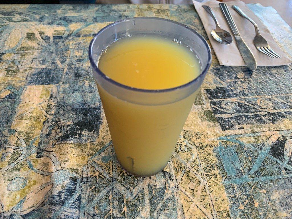 モケズ(Moke's)の飲み物 パイナップルジュース